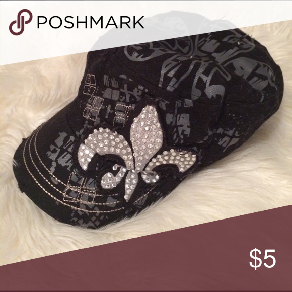 Black hat Black hat with some rhinestones. Few uses. Has adjustable clip. Accessories Hats