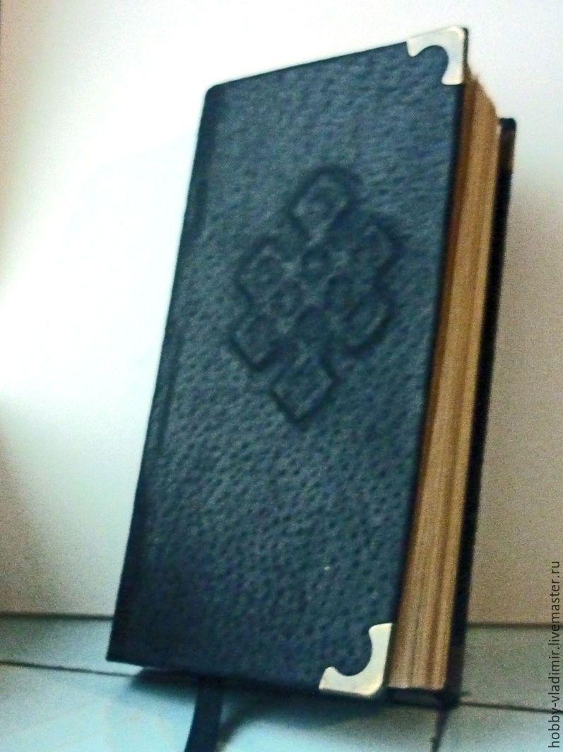 Купить Записная книжка Исследователя - записная книжка, кожа натуральная, уголки металлические, черный, бронза