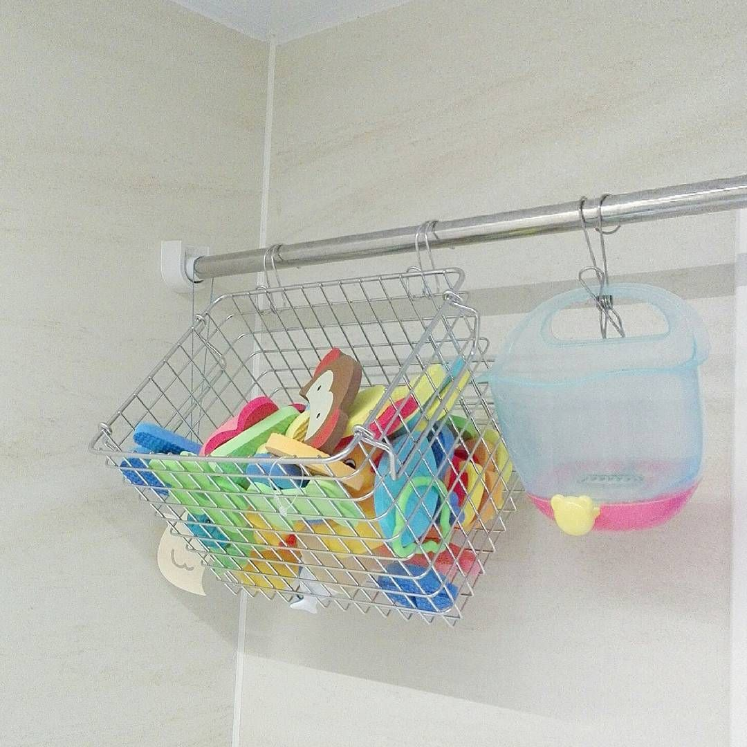 お風呂で使えるおもちゃは子どもにも大人気ですよね その一方で お風呂場は湿気が多いためしっかり保管しないとカビが発生してしまうことも そして細かい おもちゃの片付けでイライラ なんていうお父さん お母さんも多いはず そこで Kufura収納調査隊 は お風呂