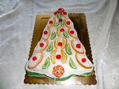 Cassata siciliana a forma di albero di Natale
