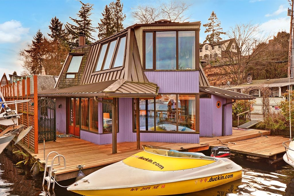 Portage Bay Houseboat In Seattle