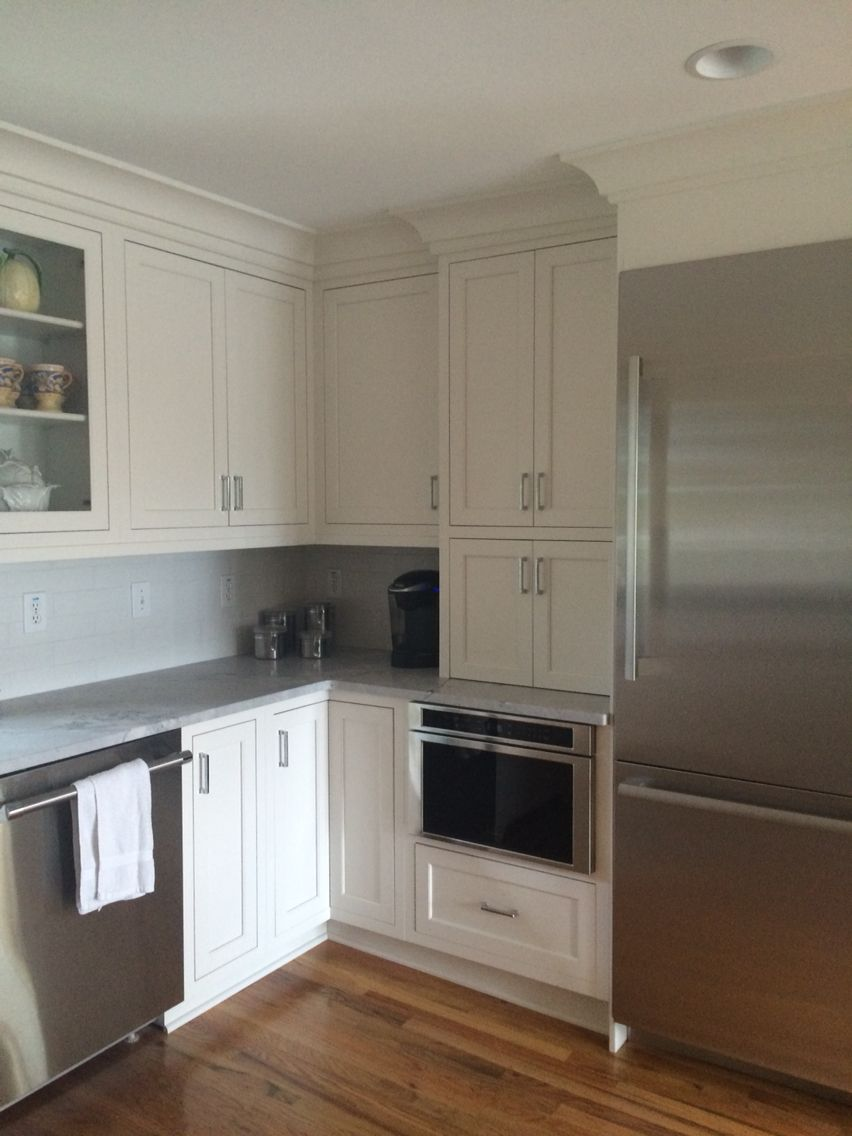 Mouser Cabinetry, White Cabinets, Gray Quartzite, Appliance Garage, House  On The Sound
