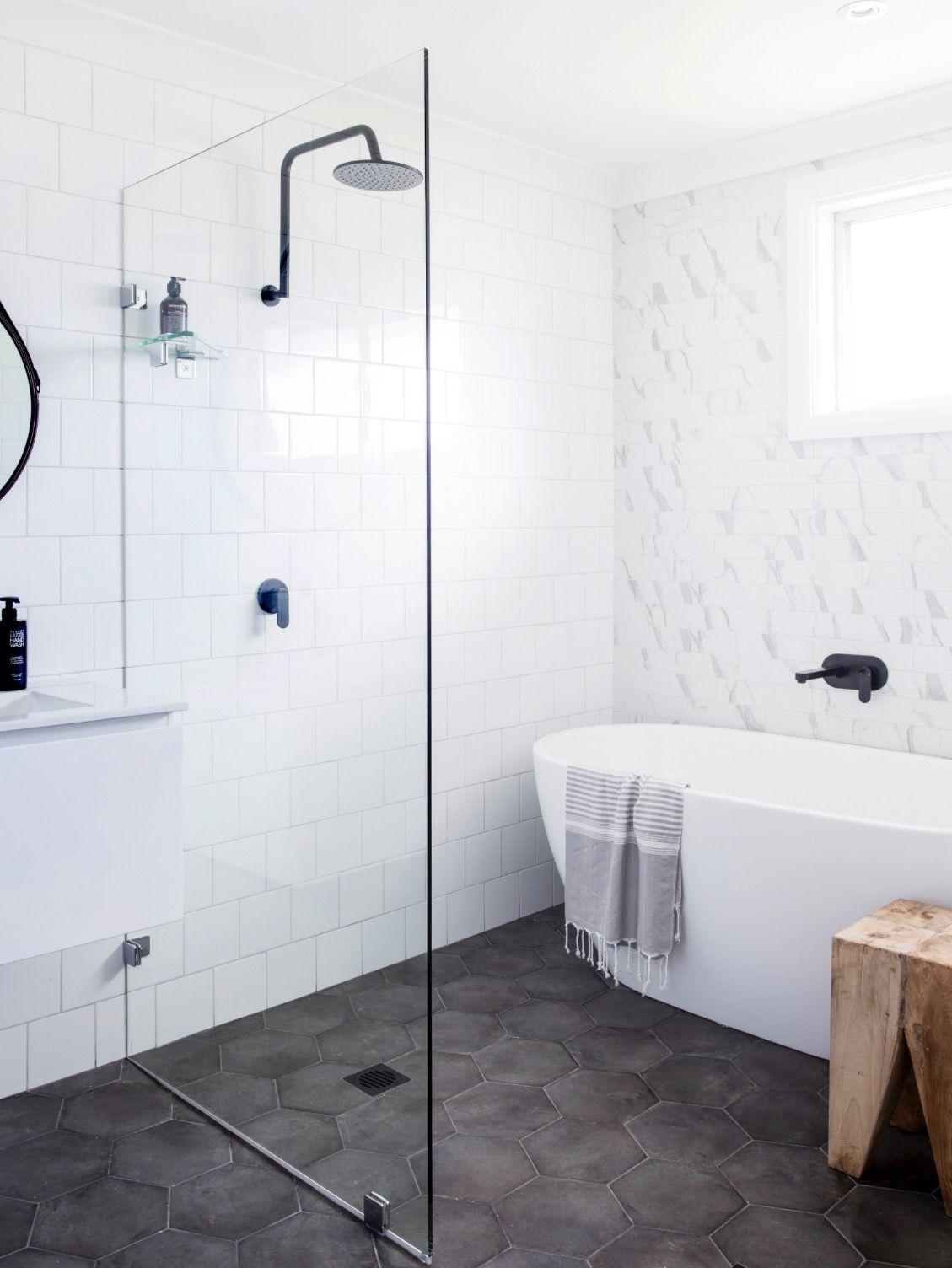 Hexagonal bathroom floor tiles | Home Reno Inspo | Pinterest | Bath ...