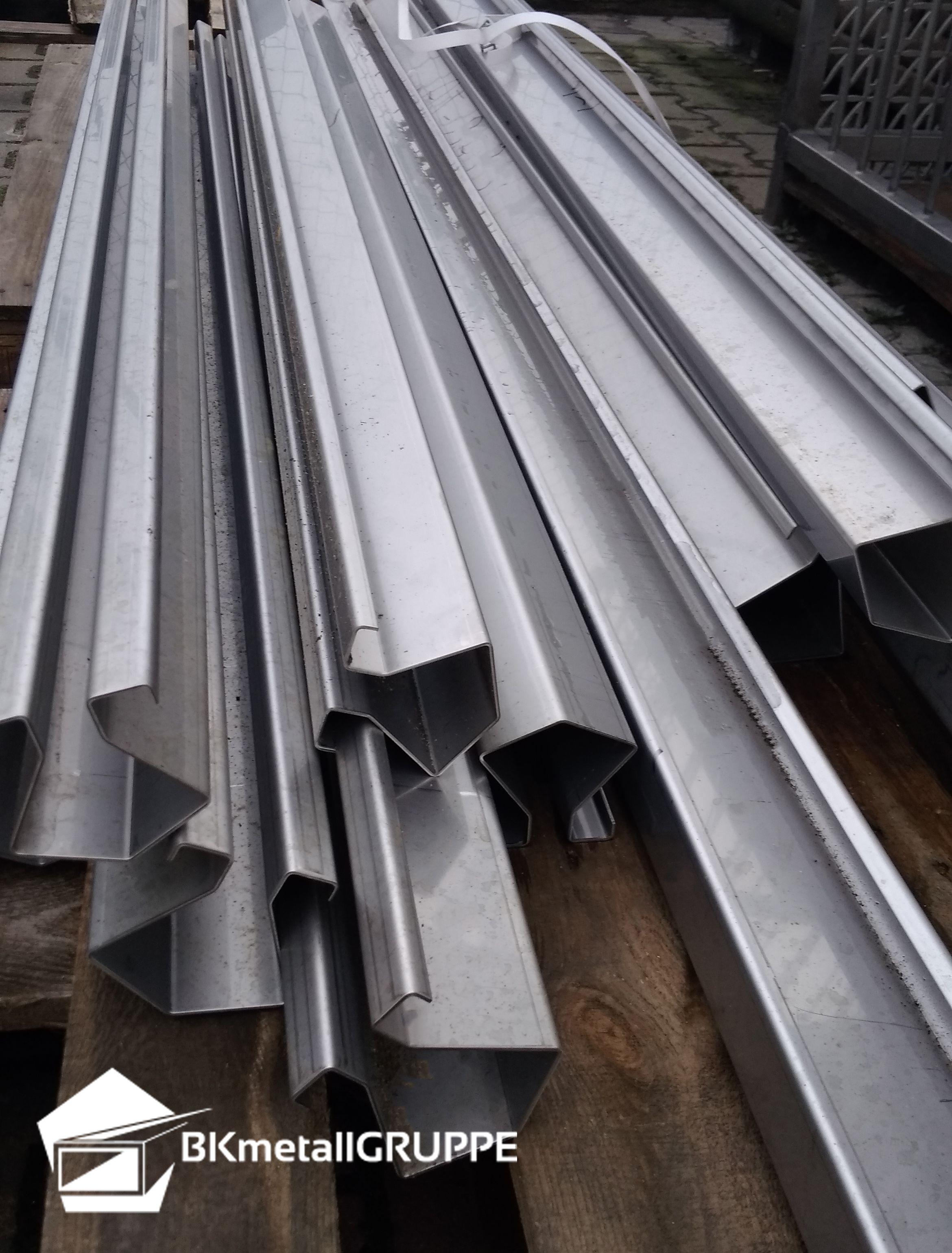 Stainless Steel Slot Channel Bk Sr60