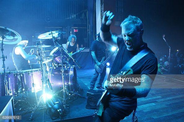 Foto di attualità : Lars Ulrich, Kirk Hammett, and James Hetfield of...