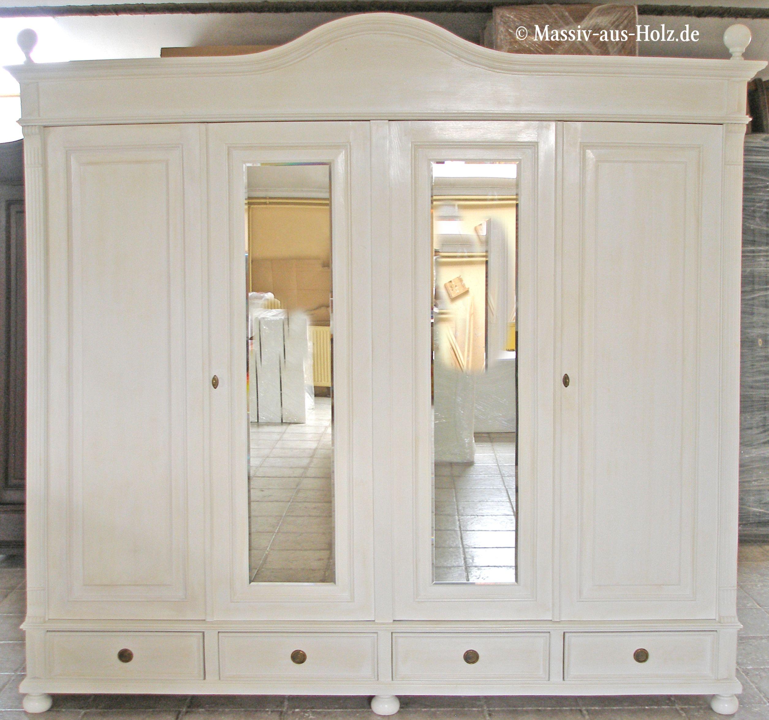 Grosser Kleiderschrank Im Landhausstil Hochwertig Und Romantisch