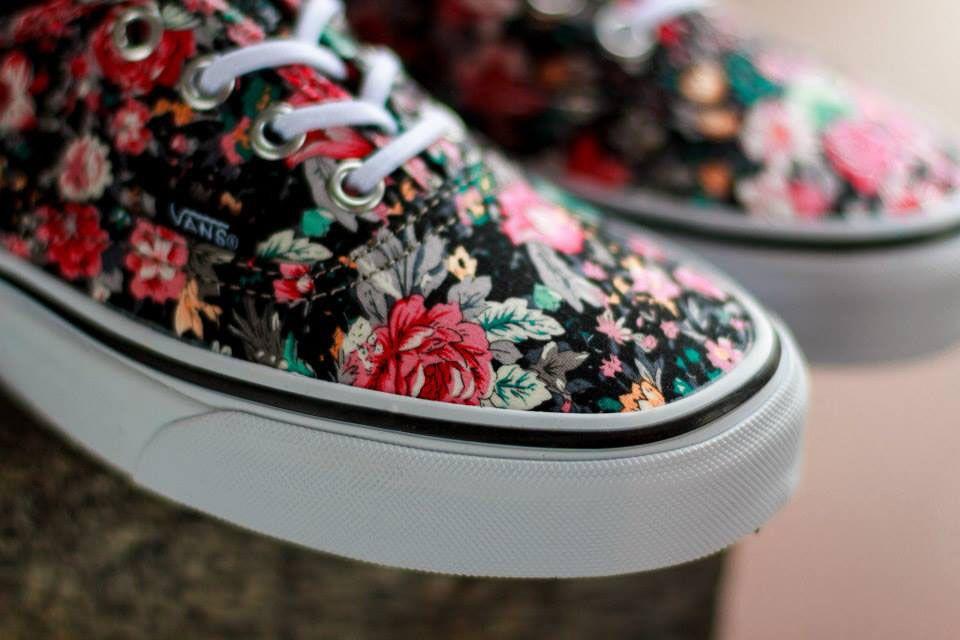 Vans fleuries