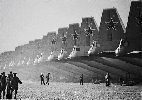 На взлётной полосе. СССР. 1970 г.