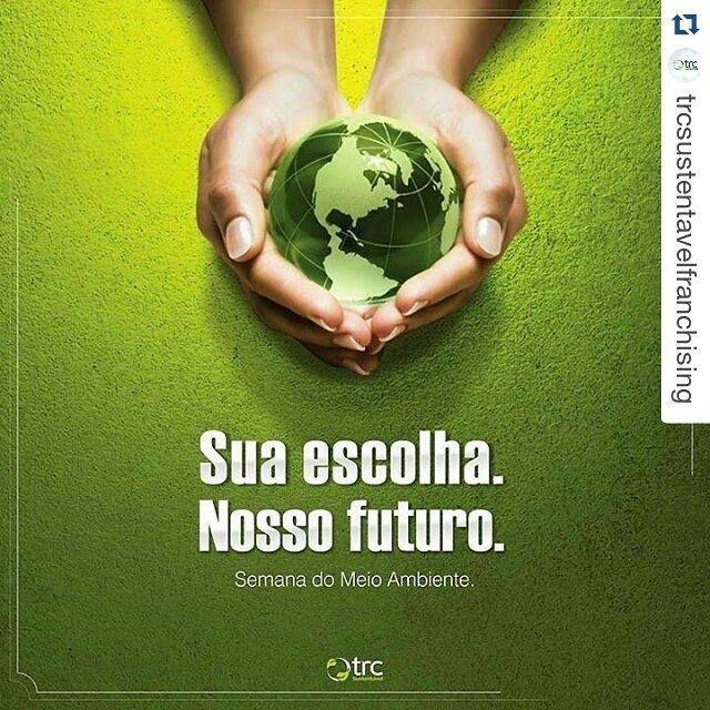 Ter uma atitude consciente em relação aos nossos hábitos de consumo é a melhor (e talvez a única) maneira de se mudar o mundo. Economize água luz recicle seu lixo. Faça sua parte e ajude a construir um futuro para todos. Preservar o meio ambiente é cuidar da saúde desta e das futuras gerações. #semanadomeioambiente #diadomeioambiente #salveoplaneta #economizeagua #sustentabilidade #trcsustentavel. by trcsustentavel.natal http://ift.tt/1sXhKiO
