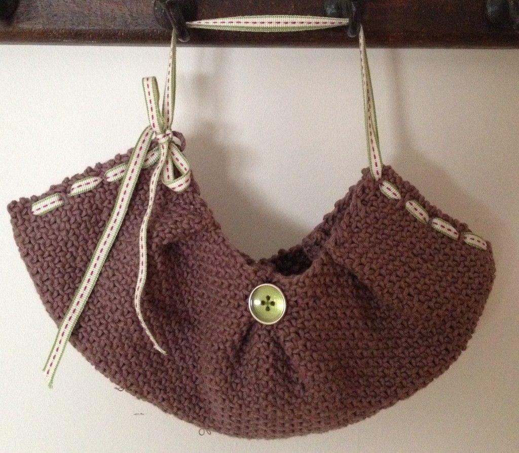 easy beginner idea | Knitted, Straw bag, Fashion