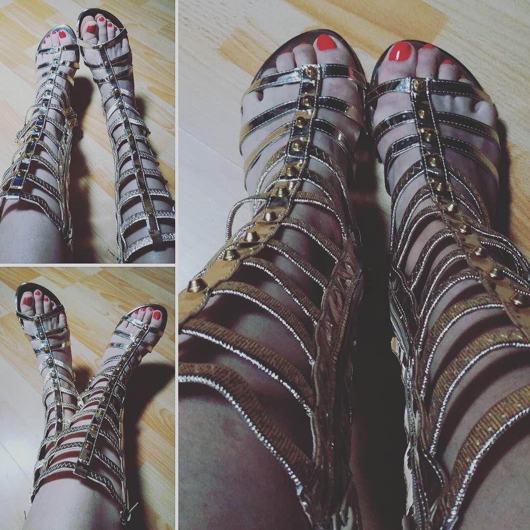 #shoe #shoes #sandales #ete #gold #or #spartiates #chaussures #mode #model #fashion #fashions #style #lifestyle #tendances