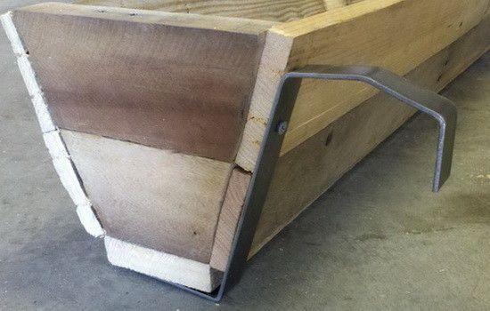 How To Make A Diy Deck Rail Garden Planter From A Pallet Railing