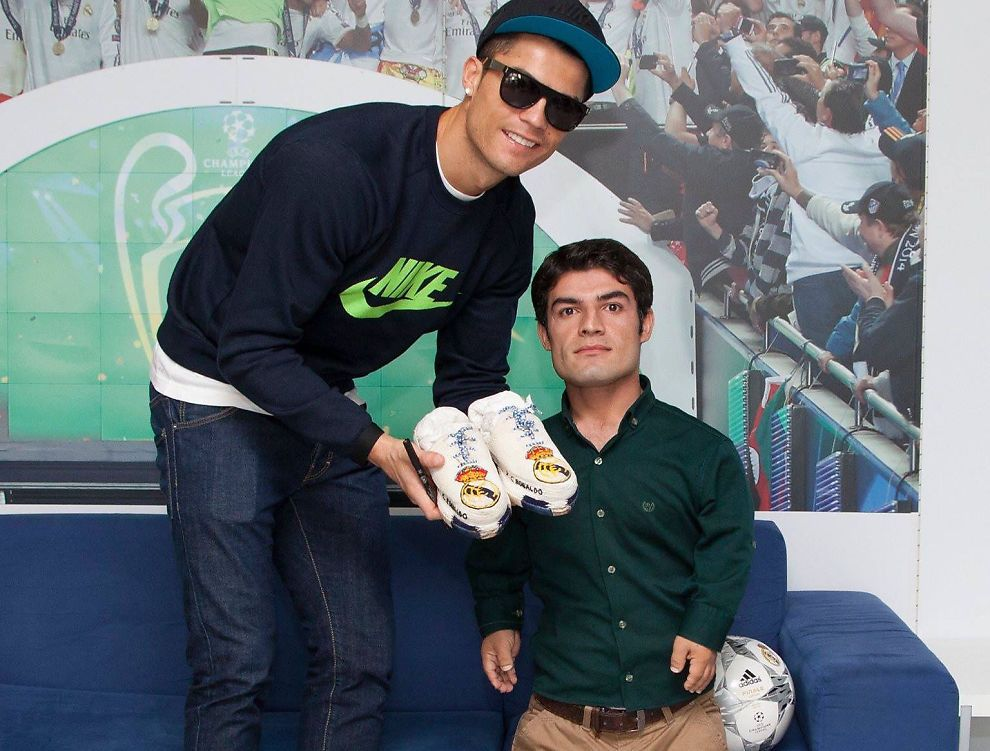 one of the actors of kurdish movie el clasico with the infamous handmade sneakers