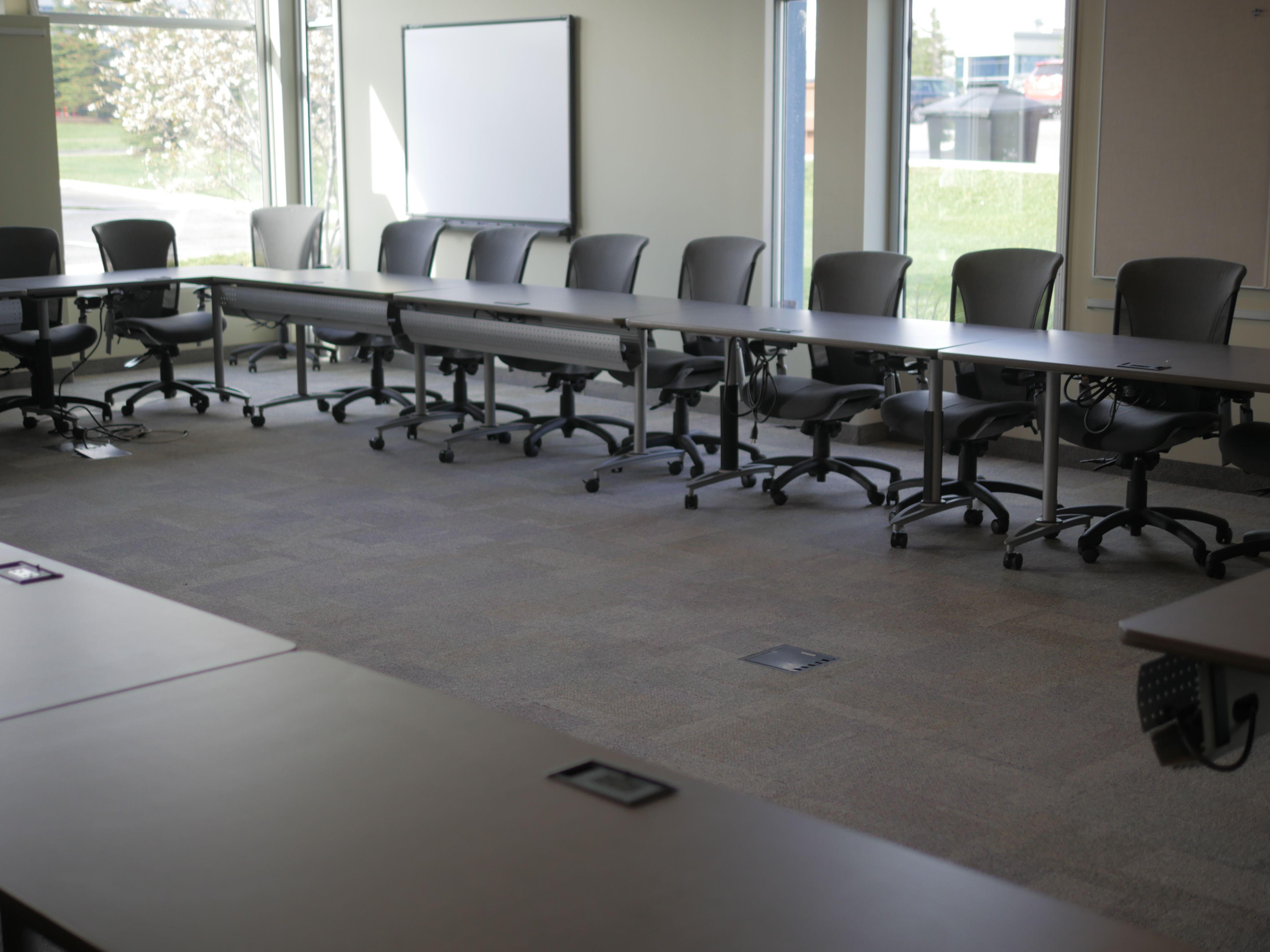 Large Boardroom Table Wwwsuiteworksca SuiteWorks Meeting - Large boardroom table