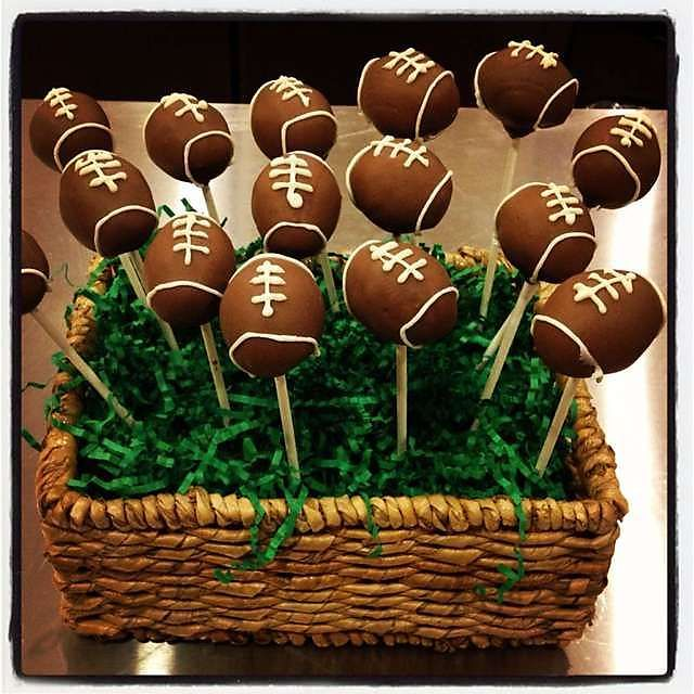 Football Cake Pops With Images Football Cake Pops Cake Pop