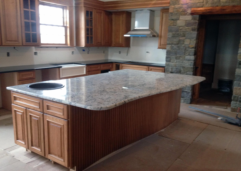 Küchenschränke design granit küchenarbeitsplatten bilder  in der regel das material ist