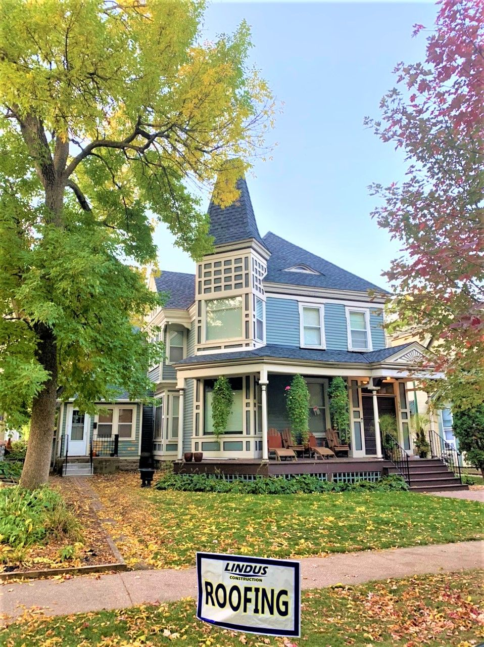Twin Cities Victorian Home Roofing Project In 2020 Victorian Homes Roofing Roofing Contractors