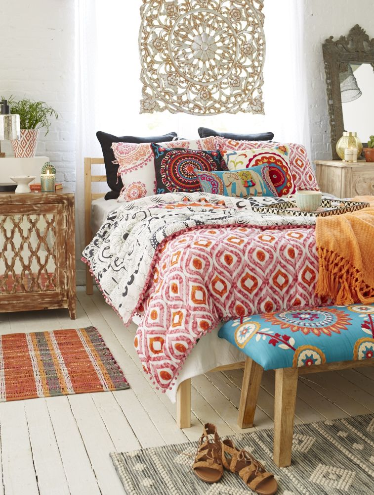 Boho d cor takes you around the world all in one room - How to decorate a bohemian bedroom ...