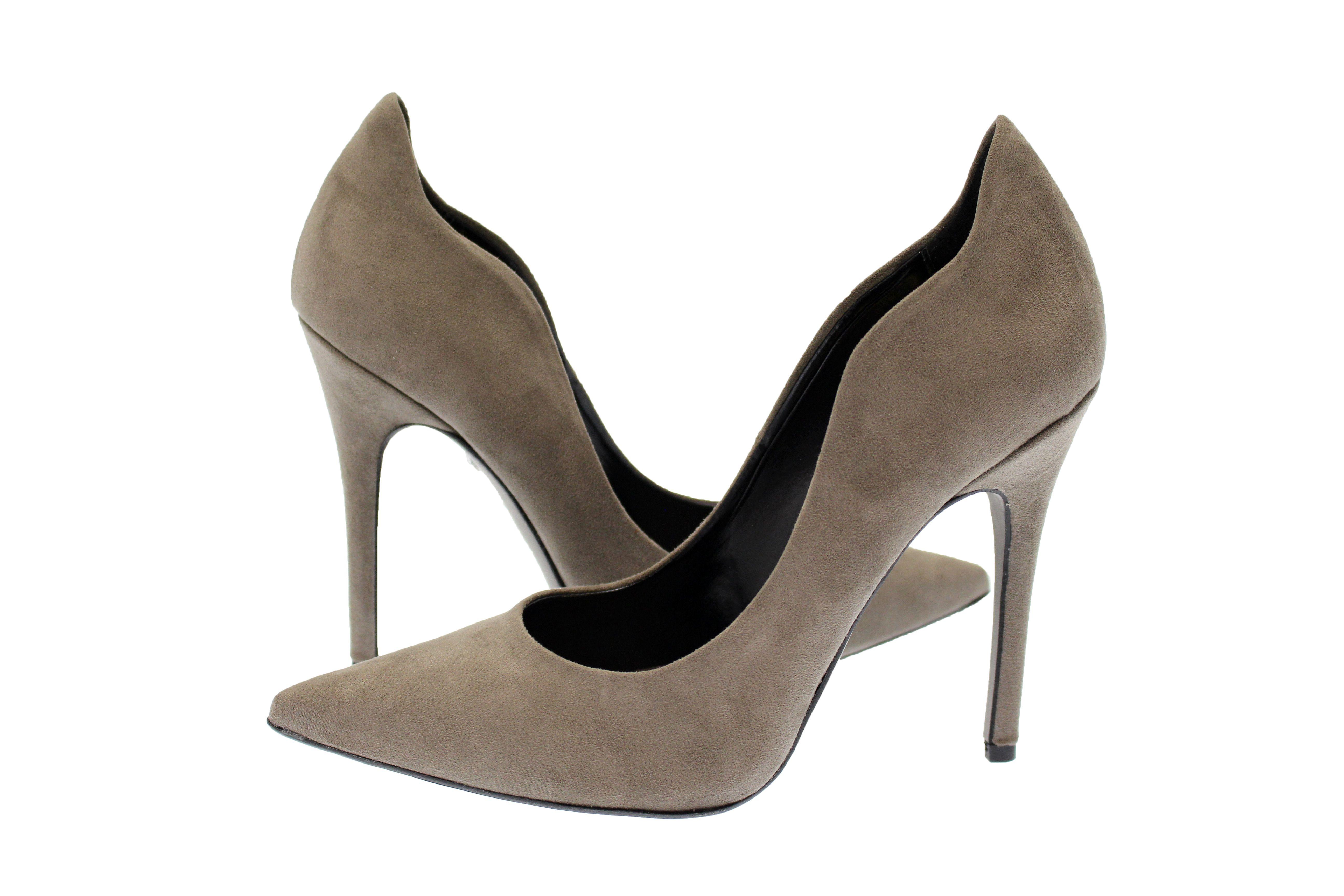 Qui peut résister au taupe, cette nuance de gris au top de la tendance et couleur intemporelle par excellence? Idéale dans vos dressing pour porter tous les jours.