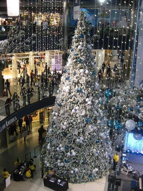 Pin By Meg Mcallister On O Christmas Tree Mall Of America Christmas In America Holiday