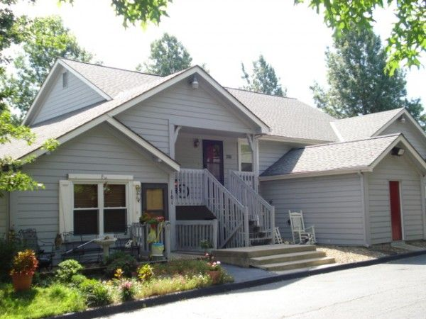 Featured Rental Home Of The Week New Listing 900 S 55th St 102 Kansas City Ks 66106 Great Apartment Home I House Rental Renting A House Outdoor Decor