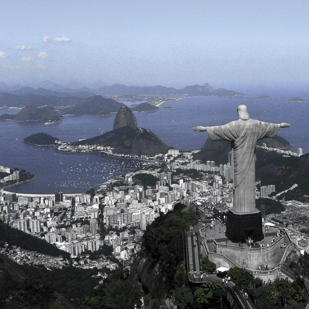 Jesus Christ Statue Above Rio De Janeiro Ipad Wallpaper Ipad