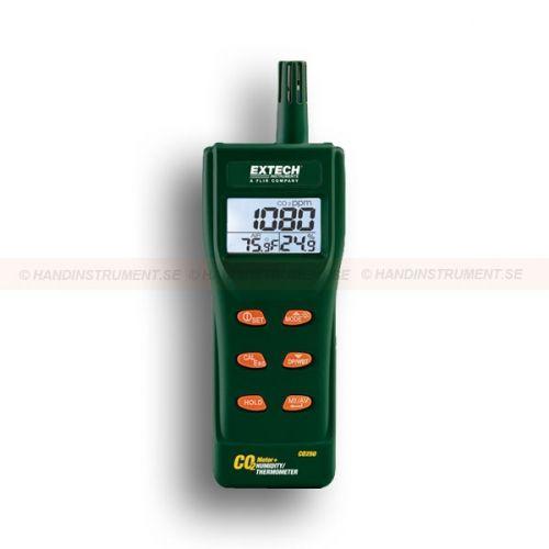 http://termometer.dk/gasanalysator-testere-r12832/portable-air-quality-meter-datalogger-53-CO250-r12837  Portable Air Quality Meter / datalogger  styringer til kuldioxid (CO 2) koncentrationer  Beregner statistisk vægtede gennemsnit af TWA (8 timers vægtet gennemsnit) og STEL (15 minutters kortvarig udsættelse)  Vedligeholdelsesfri NDIR (non-dispersiv infrarød) CO 2 sensor  måleområde : Det:  CO 2 0 5000 ppm  temperatur: -14 til 140 Garanti: 2 År