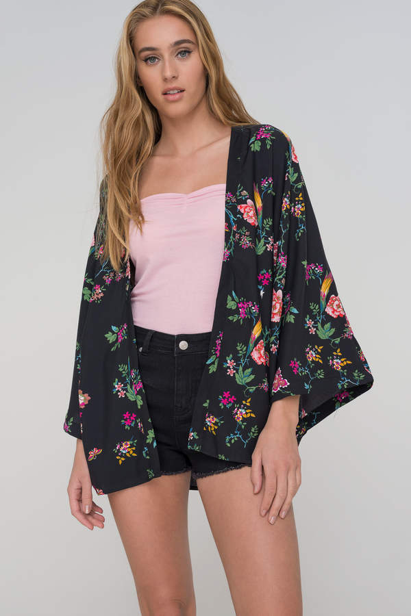 21b220b8a Ardene Floral Kimono | outfit ideas in 2019 | Floral kimono, Kimono ...