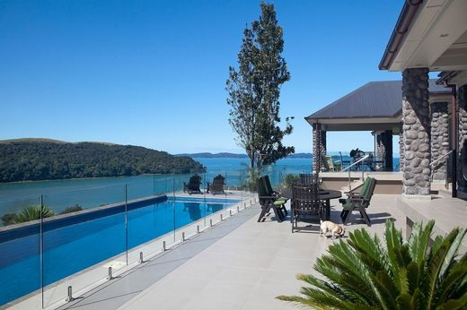 3 bedroom luxury house for sale in 24 kotare place auckland
