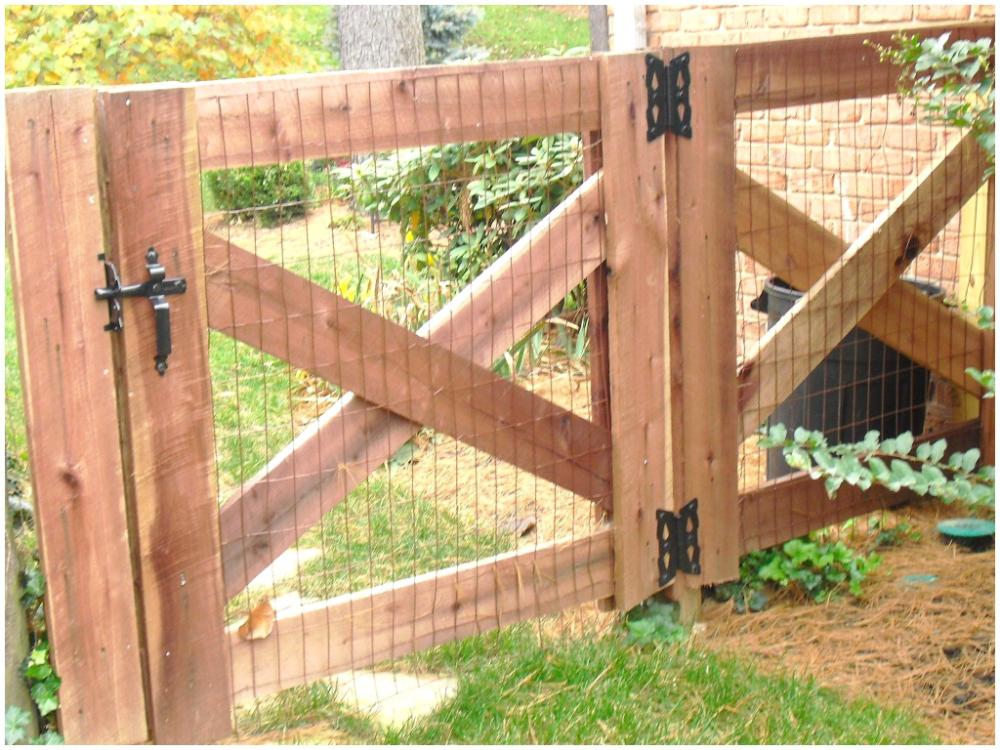 Build Garden Fence 2x4 Google Search In 2020 Backyard Fences Garden Gate Design Backyard Gates