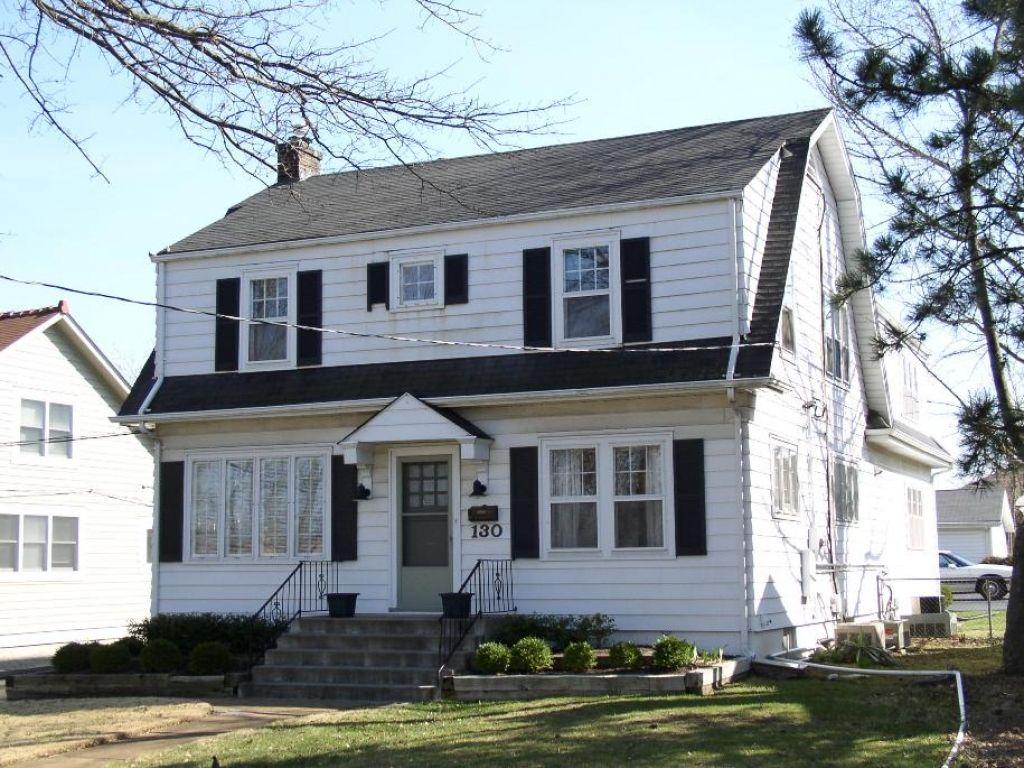 20 Interesting Delightful Gambrel Roof Ideas For 2019 Dutch Colonial Homes Dutch Colonial Colonial House
