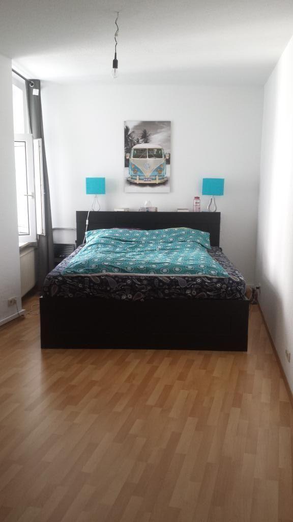 Ein cooles Schlafzimmer! Die türkisen Farbakzente bringen Frische - schlafzimmer einrichten deko