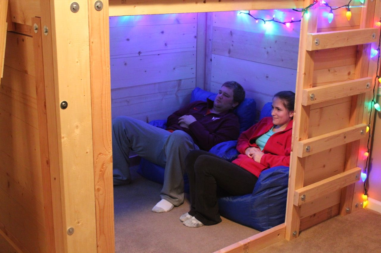 Micro Movie Room Setup In A Bed Fort! Diy bunk bed, Loft