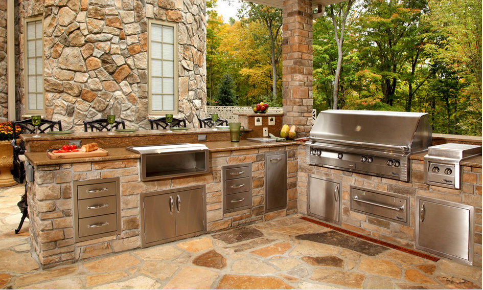 16 Of The Chicest Outdoor Kitchens Ever Outdoor Kitchen Outdoor Kitchen Design Layout Outdoor Kitchen Design