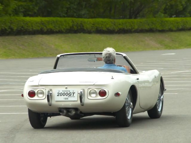 Jay Leno Gets To Drive In The Super Rare 1966 Toyota 2000gt Convertible Only Two Were Ever Made And They Were Both For The B Toyota 2000gt Toyota Convertible