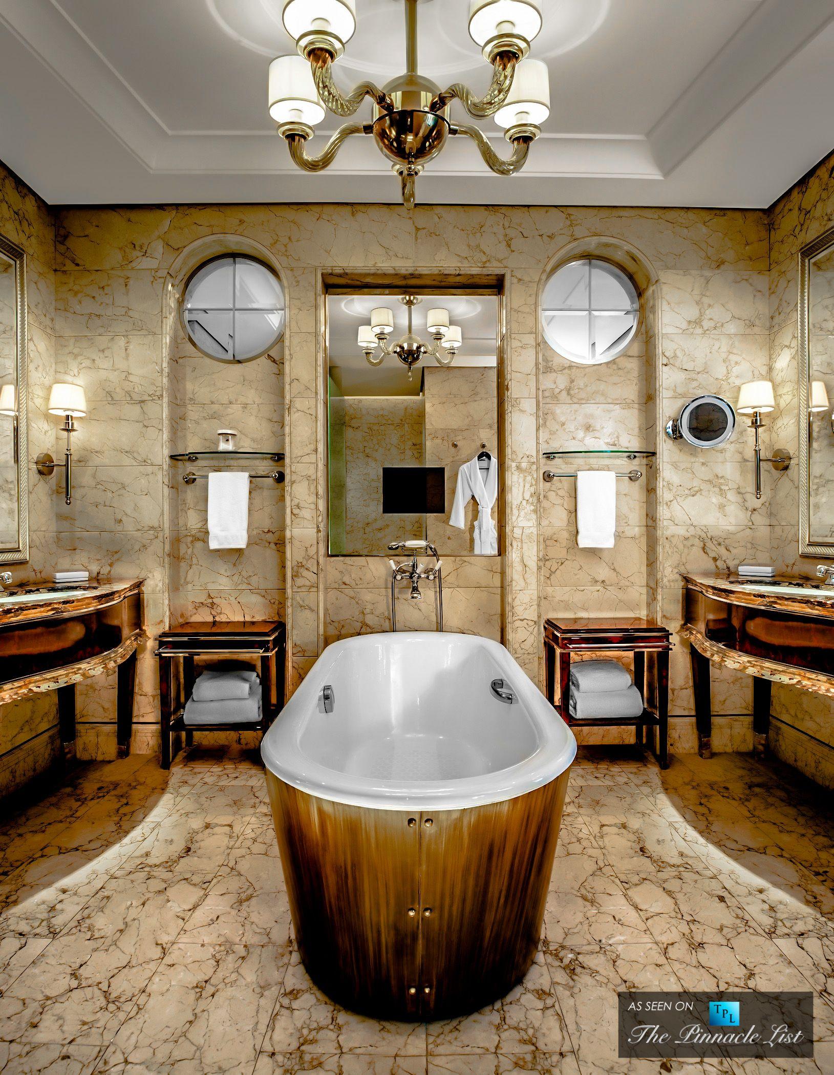 St Regis Luxury Hotel Singapore