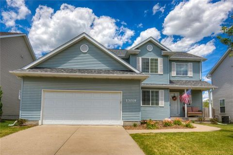 13019 Westbrook Dr Urbandale Ia 50323 Renting A House House Styles House