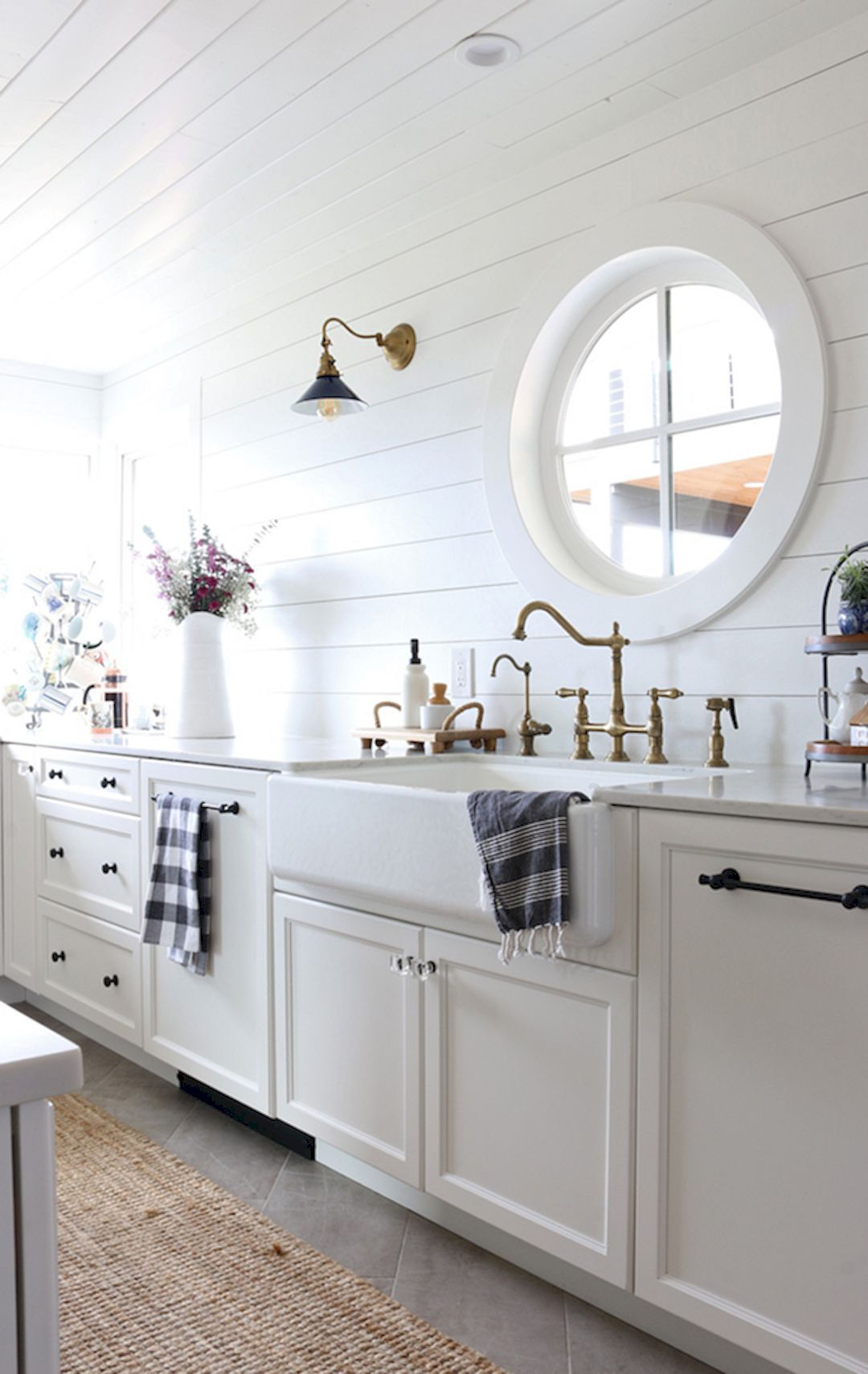 34 Beautiful Modern Farmhouse Kitchen Sink Designs | Furniture ... on country kitchen renovation, farmhouse home, modern kitchen renovation, rustic kitchen renovation, farmhouse attic renovation, victorian kitchen renovation, tudor kitchen renovation, american foursquare kitchen renovation, farmhouse renovation ideas, ranch kitchen renovation, bungalow kitchen renovation, farmhouse basement renovation, caboose renovation, victorian farmhouse renovation, old farmhouse renovation, single wide kitchen renovation, vintage kitchen renovation, farmhouse renovation before and after, farmhouse house renovation, country farmhouse renovation,