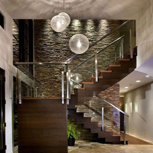 einrichtungsideen treppen und wandgestaltung modern pendelleuchten ...
