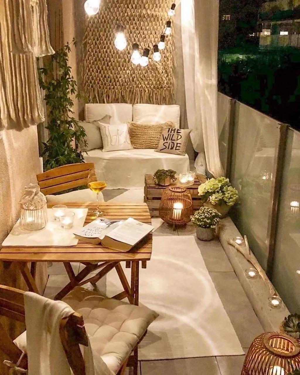 80 Small Apartment Balcony Decorating Ideas #apartmentsinnice #hippie decorate apartment
