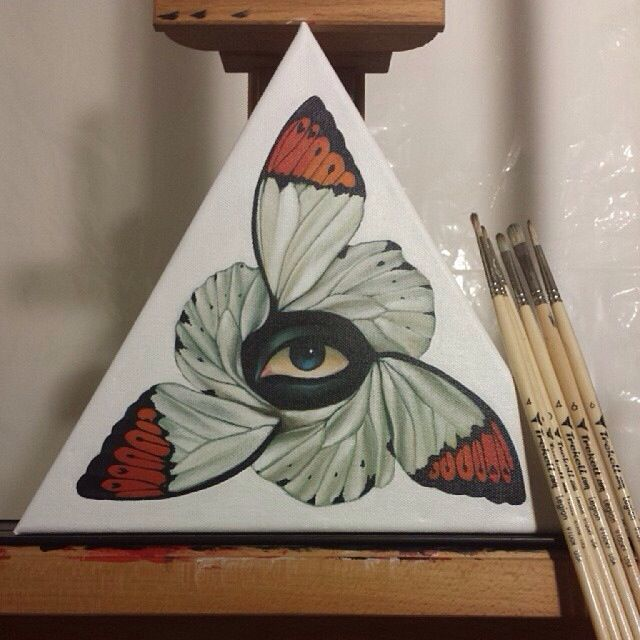 Gustavo Rimada I really like the butterfly wing part but not the eye so much. Different strokes...