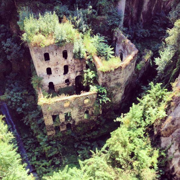 Os lugares abandonados mais bonitos do mundo | O TRECO CERTO