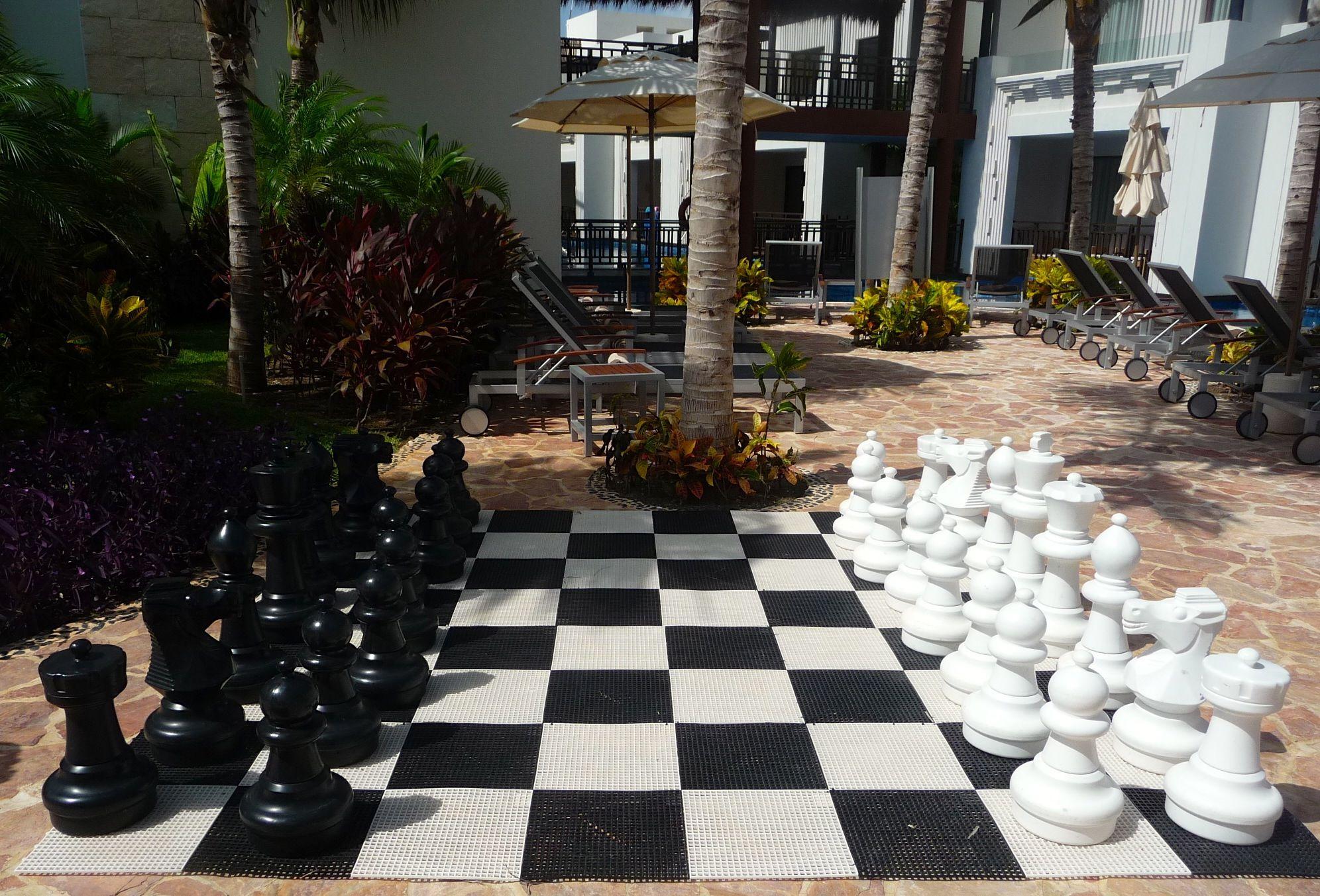 life size chess pieces azul beach cancun pinterest