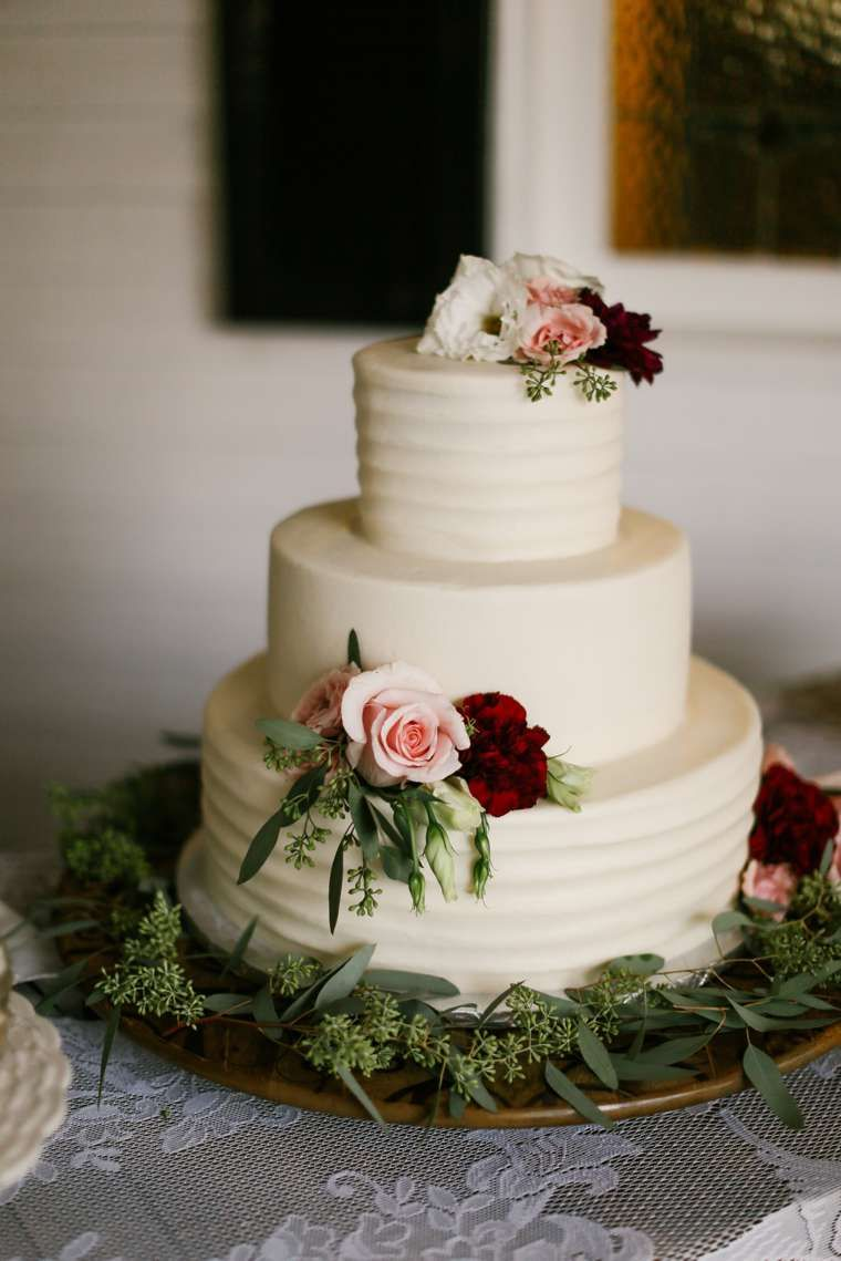 A Rustic Elegant Fall Wedding With Images Wedding Cake Options