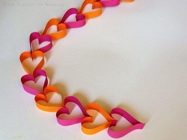 Freude Am Kochen   Valentinstag Special   DIY Herz Girlande Aus  Papierstreifen