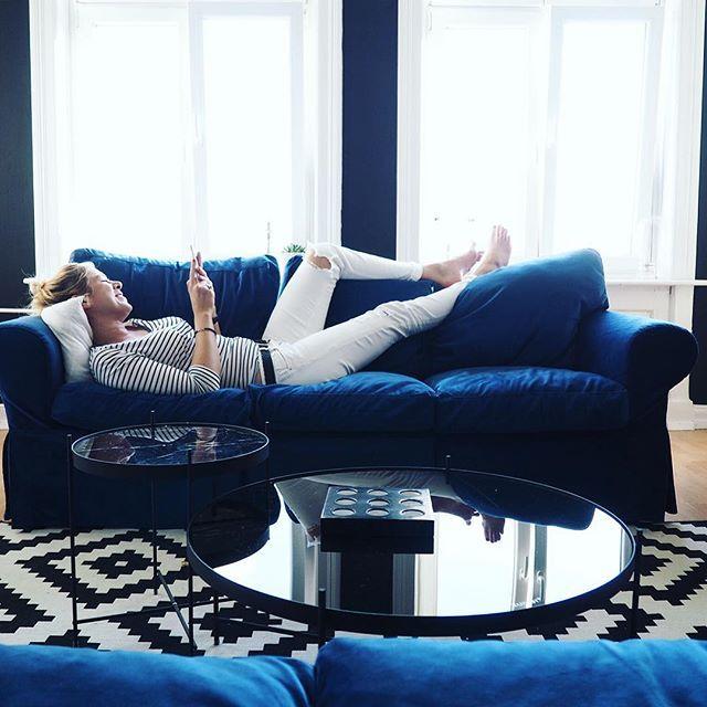 Ein Kleines Interview Zu Mir Elbgestoeber Blaue Couch Wohnzimmer Sofa Uberzug Stilvolle Wohnzimmer