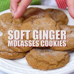Soft Ginger Molasses Cookies Recipe - BEST Molasses Cookies! Soft Ginger Molasses Cookies | Christmas Cookies | Chewy Ginger Cookies | Molasses Cookies | Holiday Baking