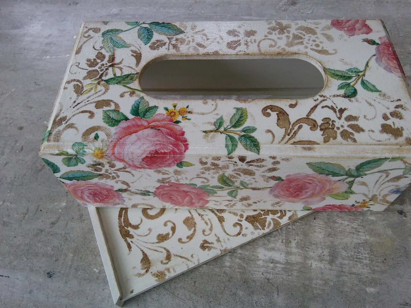 Berryous , bamboo tissue box, decoupage Cameron Highlands