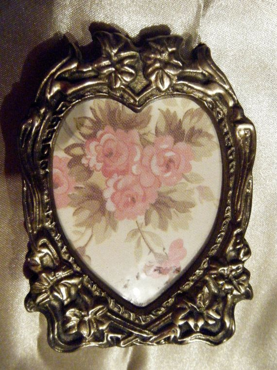 Brass Heart Shaped Mini Frame by gammiannes on Etsy | Gammiannes ...