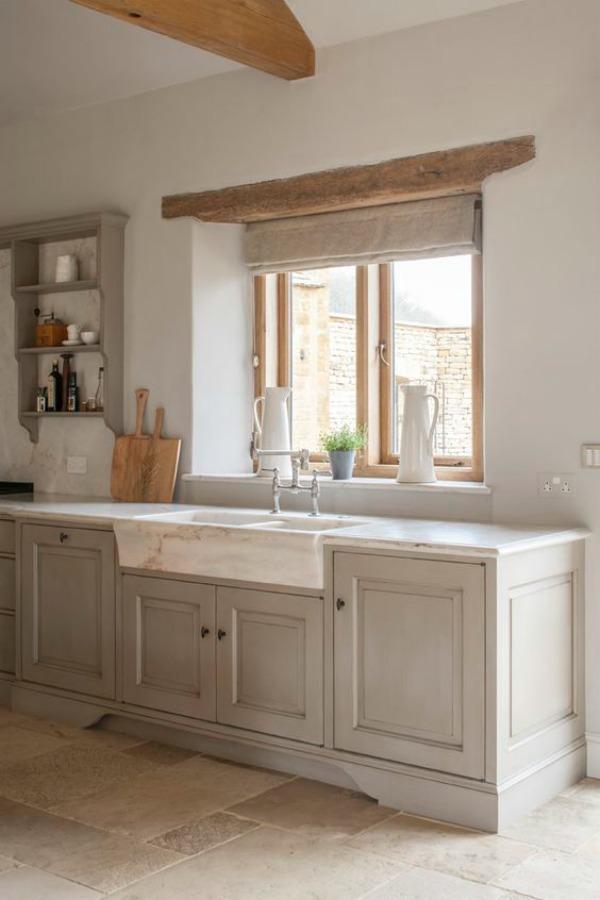 Stunning English Country Kitchen Design Inspiration
